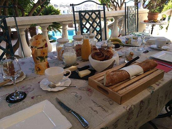 Vista Azzurra: Breakfast on the Terrace...yummy