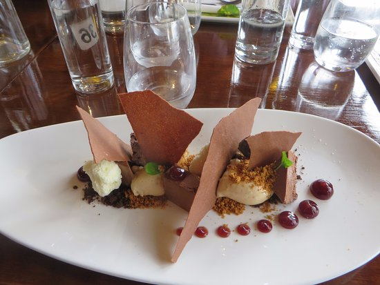 Cambridge, Australien: Chefs breakfast - chocolate semifreddo with coffee caramel mouse