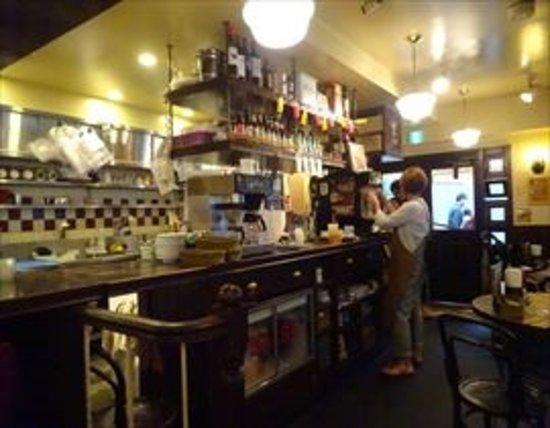 グリルバーガークラブ ササ, 店内です。