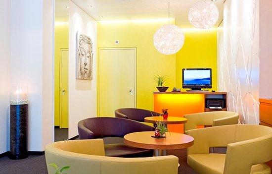 Metropol Hotel Basel : Petit Salon - Businesscorner