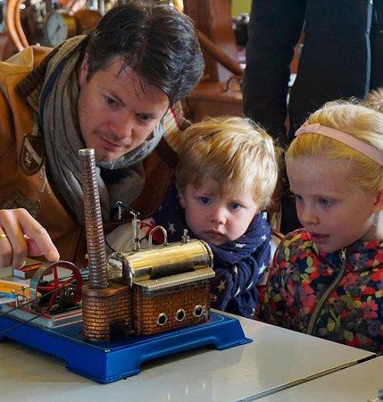 Medemblik, Países Bajos: een van de kleine stoommachines