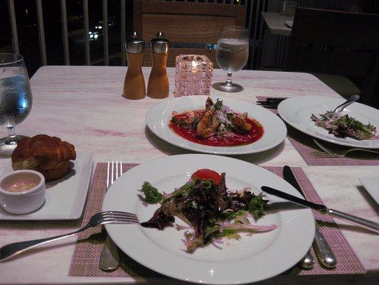 La Mer -  L'Aperitif: ディナーです(シュリンプ&サラダ)