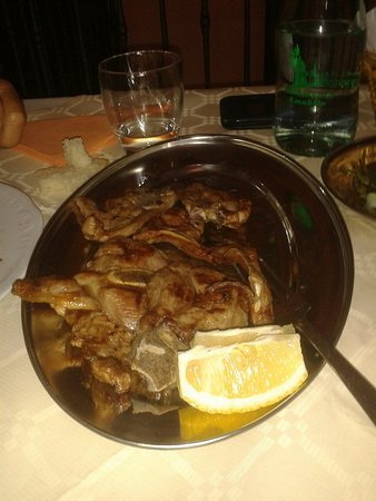 Frontone, İtalya: Ristorante Amabile