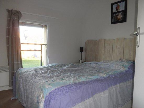 chambre couple photo de lagrange prestige les hauts de la houle cancale tripadvisor. Black Bedroom Furniture Sets. Home Design Ideas