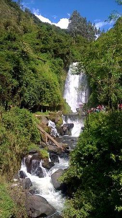 Peguche Waterfall: Peguche Wasserfall (Cascade Peguche)
