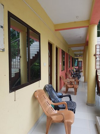 Evershine Guest House: Sit out area