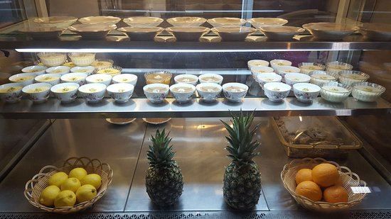 Juice & Dessert Bar