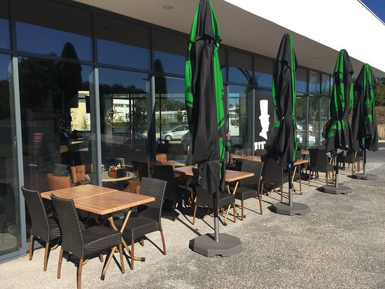 Saint-Quentin-en-Yvelines, France: Terrasse - UP TO YOU
