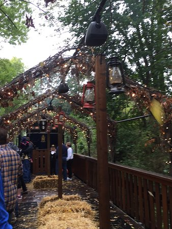 Boyertown, PA: The open air car for the autumn splendor trip