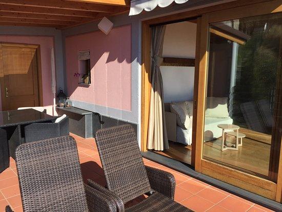 Casarza Ligure, Italien: eigene gedeckte/offene Terrasse