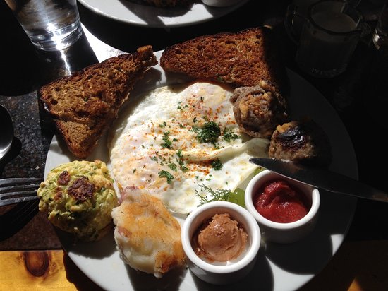 Boulder, UT: Eggs with oatmeal toast and potato cake