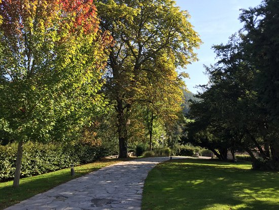 Iriarte Jauregia Hotel: Jardín