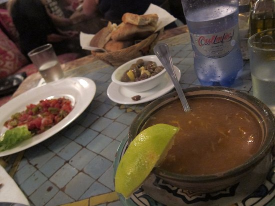 Hotel Riad Casa Hassan Restaurante, モロカンサラダとハリラスープ。ほっとする味です。