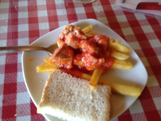 El Borge, Spain: paella tapas with cana