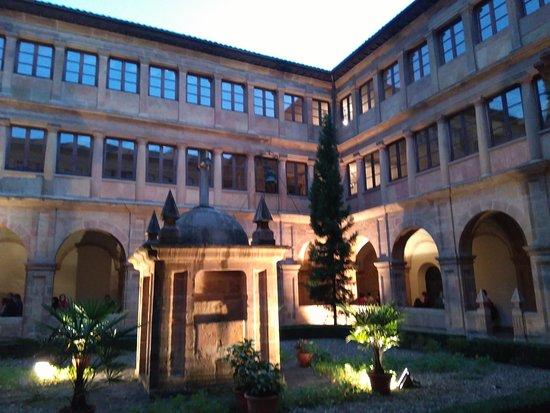 Monasterio de San Pelayo: IMG_20161008_194828_large.jpg