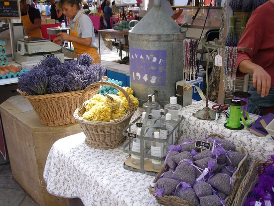 Tastes of Provence - Tours: So many wonderful lavender products to choose from!