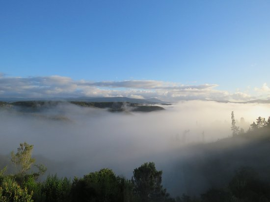 Rheenendal, Νότια Αφρική: Early morning view, not to be missed.