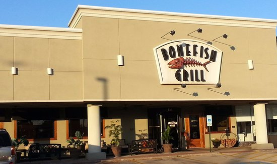 Bonefish Grill - Skokie: Front & entrance to Bonefish Grill