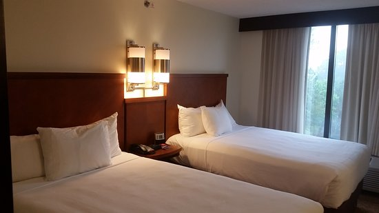 Hyatt Place Raleigh-Durham Airport: Pet friendly hotel