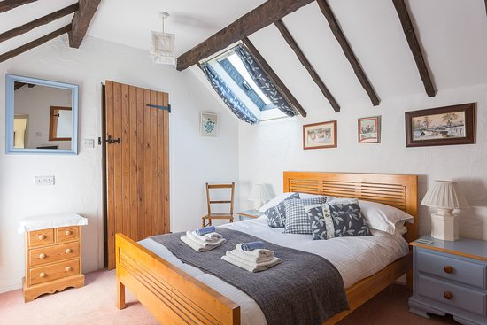 Bonsall, UK: The Hen Loft double room with bath