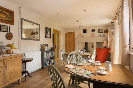 Bonsall, UK: Our attractive breakfast room