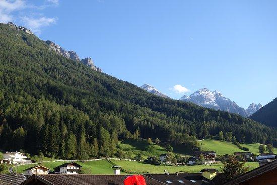 Hotel Burgstall : Blick zum Pinnestal