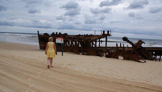 Fraser Coast, Australia: Kaffy exploring 1 wreck, the other taking pic.