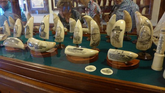 Peter Cafe & Scrimshaw Museum: Whaleteeth with portraits