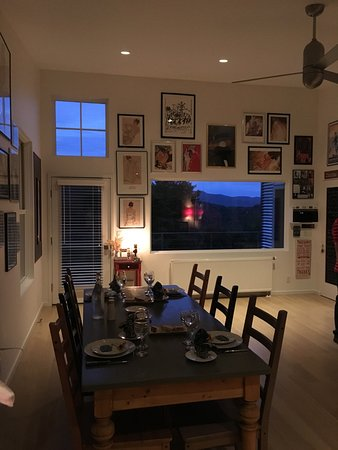‪‪Underhill‬, ‪Vermont‬: The dining area set for our French Dinner - 9/30/16‬
