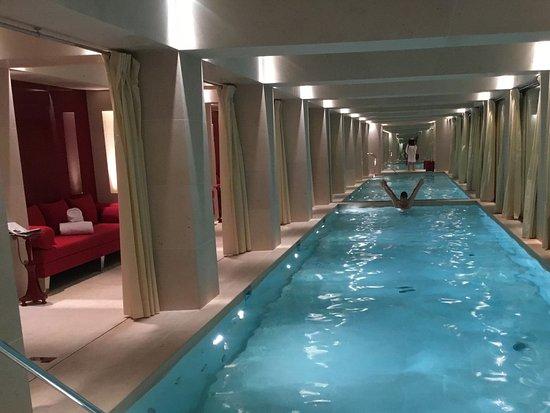piscine spa nescens la reserve paris hotel and spa foto di la reserve paris hotel and. Black Bedroom Furniture Sets. Home Design Ideas