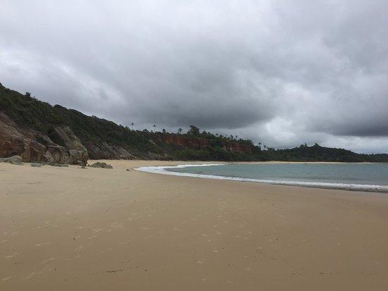 Τρανκόσο: Praia na maré baixa