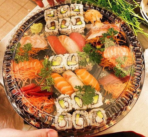 Chatillon-sur-Seine, France: sushi party box!