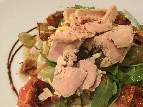 Restaurant Del Bisbe : Voorgerecht , salade met fois gras