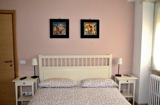 la camera da letto lilla - Foto di Ale&Andrea Apartments, Roma ...