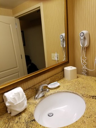 Hampton Inn Rochester Webster: 20161007_233055_large.jpg