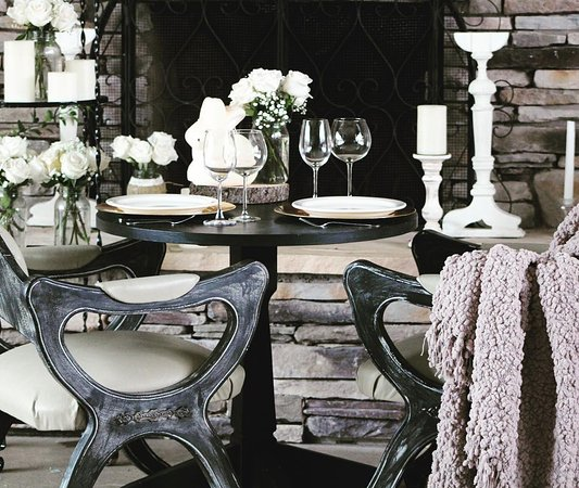 Lakehead, CA: Romantic & Rustic