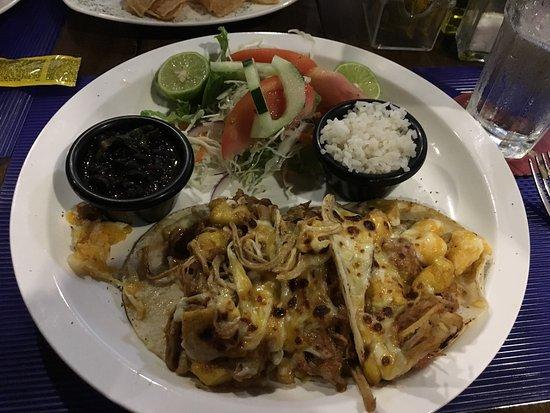 Province of Puntarenas, Costa Rica: Tacos de Cerdo BBQ con piña