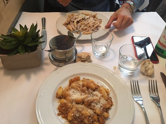 osteria giulietta e romeo tutto ottimo cucina casereccia molto buona servizio