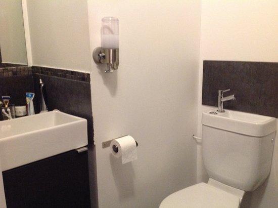 Salle de bain et wc Picture of Felix Dort Lyon TripAdvisor