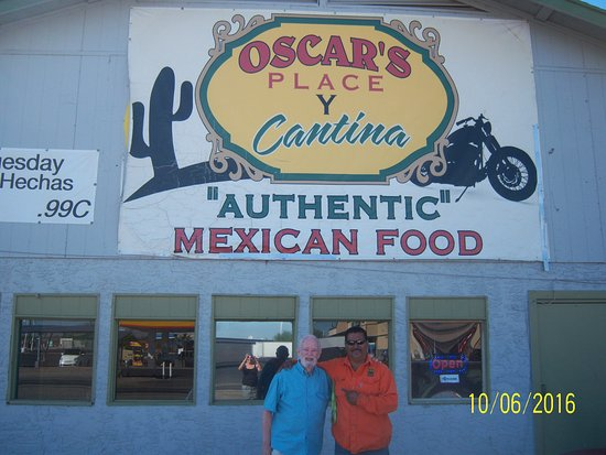 Tonopah, AZ: Me and Oscar