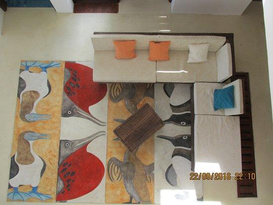 Isabela, Ekwador: Vista desde la segunda planta al lobby y recepción del Hotel
