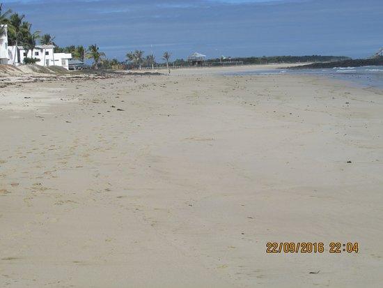 Isabela, Ekwador: Foto de la playa donde se encuentra ubicado el Hotel