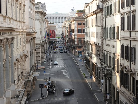 Other window view of parliament building steps picture for Corner via del corso roma