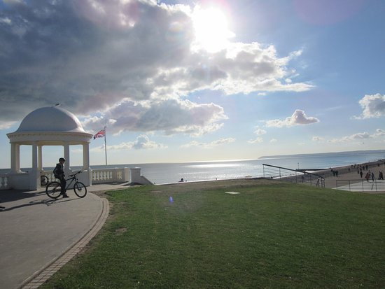 Bexhill-on-Sea, UK: Far Pavilion !
