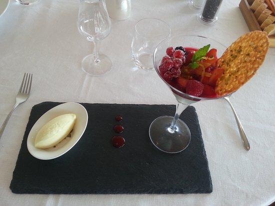 Rosignano Solvay, Italia: La Crema al Lime con Frutti di Bosco