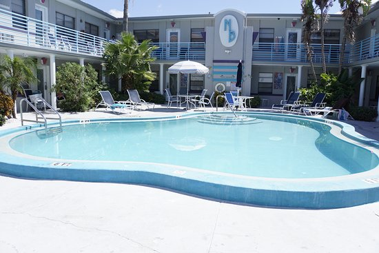 Royal North Beach: Photo of pool area