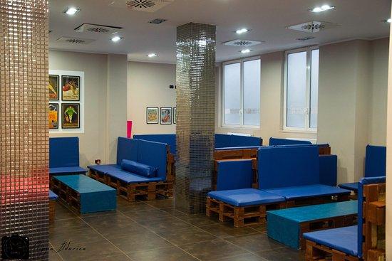 Vintage Café: Rinnovamento sala