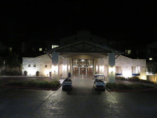 Lakeway, TX: Main Entrance