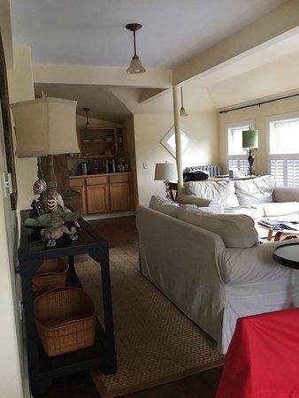 Oak Bluffs Inn: Room 10 a 2 bedroom suite