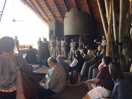 ‪‪Singita Private Game Reserve‬, جنوب أفريقيا: New guests arriving in the meeting point and bar area‬